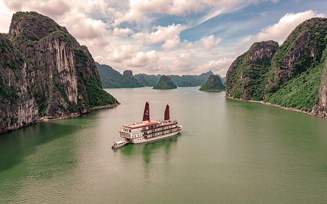 Bahía de Ha Long. Vietnam celebra la 38ª Feria de Turismo de la ASEAN (ATF)