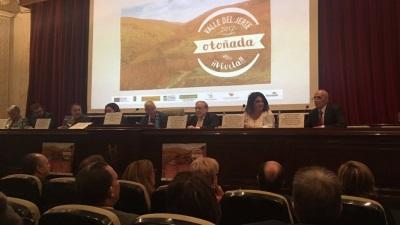 La Otoñada del Valle del Jerte llegó, con la esperada lluvia, al Casino de Madrid