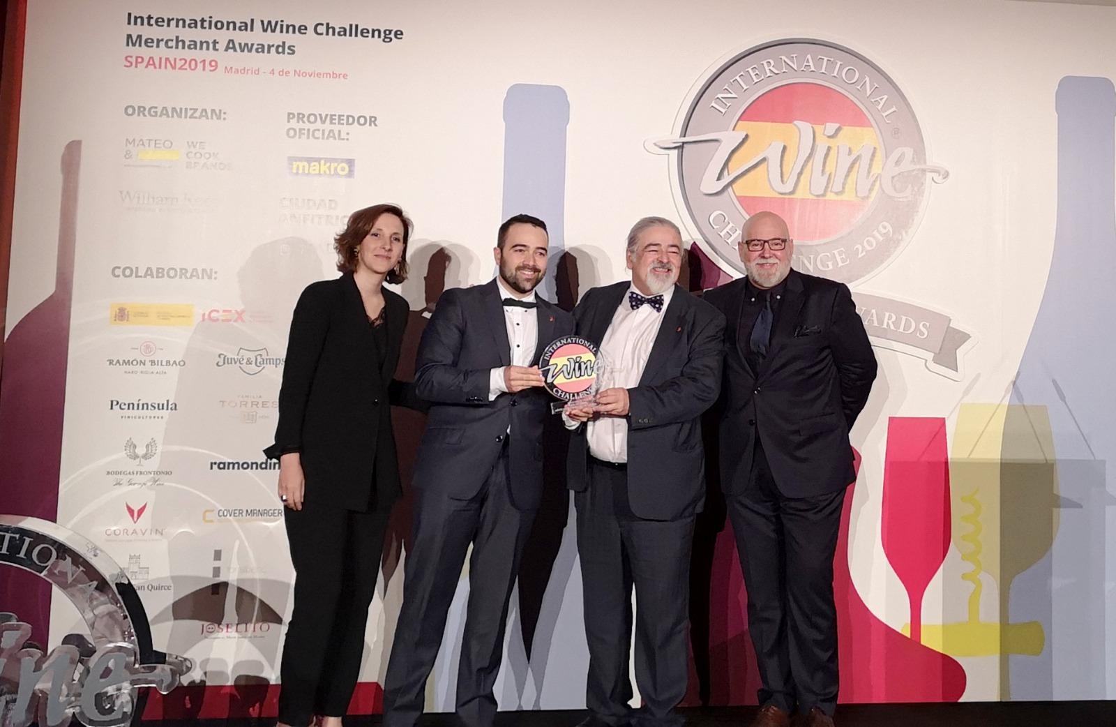 La Guía de vinos, destilados y bodegas de Galicia, recibe el prestigioso premio IWC Merchant Awards del Reino Unido